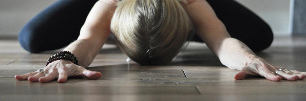 Yukha-yoga-purmerend-yogalessen-yin-flow-yoga